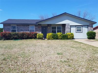 Bristow OK Single Family Home For Sale: $89,000