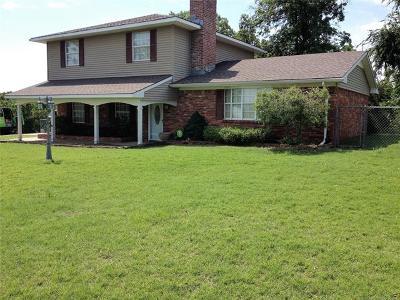 Okmulgee Single Family Home For Sale: 1924 E 20th Street