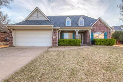 Jenks Single Family Home For Sale: 904 N Sycamore Place