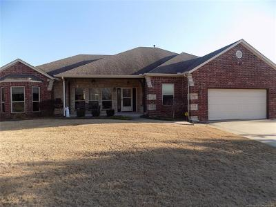 Claremore Single Family Home For Sale: 3325 Fairway Street