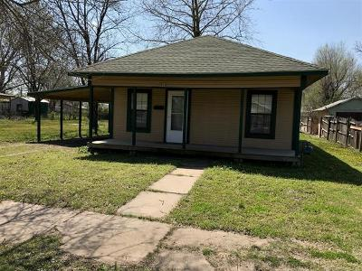 Okmulgee Single Family Home For Sale: 910 W 8th Street