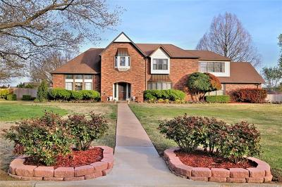 Sapulpa Single Family Home For Sale: 615 Countrywood Way