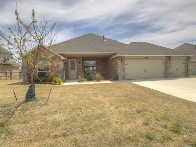 Claremore Single Family Home For Sale: 25275 Creek Bank Trail