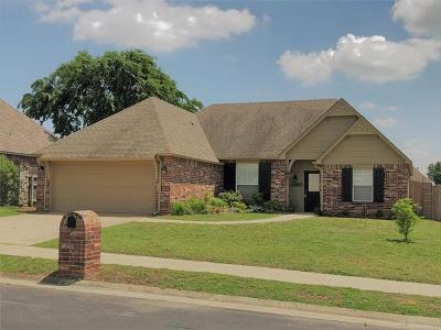 Owasso Single Family Home For Sale: 9716 E 111th Street North