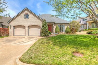 Tulsa Single Family Home For Sale: 2527 E 66th Place