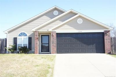 Claremore Single Family Home For Sale: 1206 W 24th Street North
