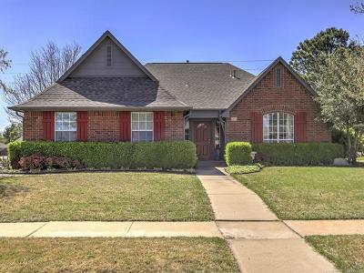 Broken Arrow Single Family Home For Sale: 600 N Yellowood Avenue