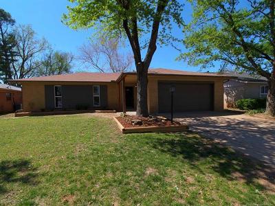 Jenks Single Family Home For Sale: 526 W E Street