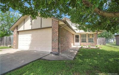 Owasso Single Family Home For Sale: 409 N Carlsbad Street