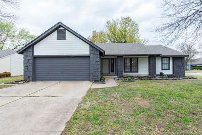 Broken Arrow Single Family Home For Sale: 3100 W Commercial Street