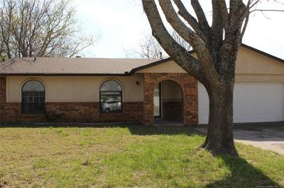 Broken Arrow Single Family Home For Sale: 1658 S Redbud Avenue