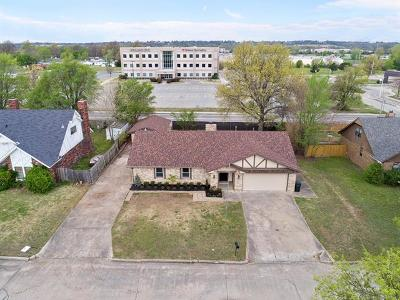 Claremore Single Family Home For Sale: 1503 N Florence Place