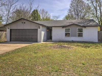 Broken Arrow Single Family Home For Sale: 3119 S 211th East Avenue