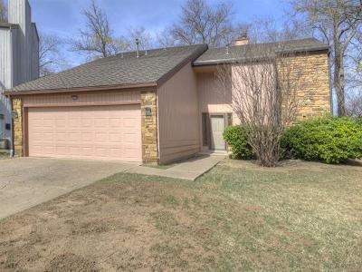 Tulsa Condo/Townhouse For Sale: 3319 E 68th Street #13