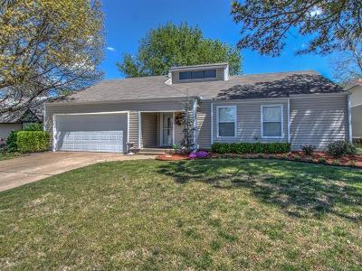 Broken Arrow Single Family Home For Sale: 3011 S Narcissus Place