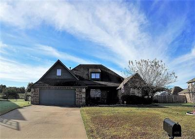 Claremore Single Family Home For Sale: 26732 Duck Pond Drive