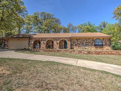 Sand Springs Single Family Home For Sale: 1201 E 10th Street