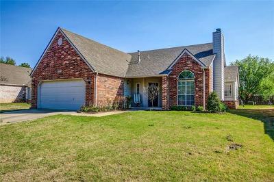 Tulsa Single Family Home For Sale: 8805 S 92nd Court E