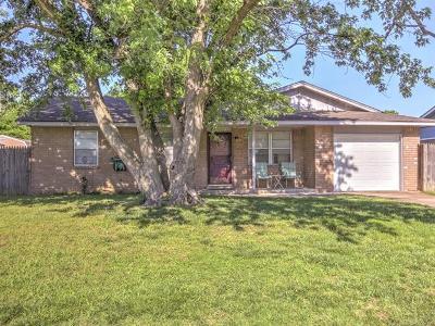 Glenpool Single Family Home For Sale: 13800 S Hickory Street