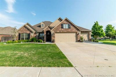 Owasso Single Family Home For Sale: 9301 E 94th Street North N