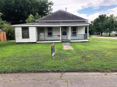 Okmulgee Single Family Home For Sale: 820 W 2nd Street