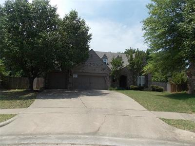 Broken Arrow Single Family Home For Sale: 200 S Redwood Circle