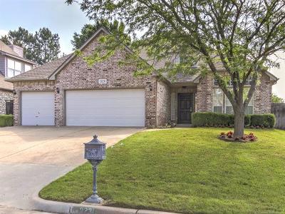 Tulsa Single Family Home For Sale: 9231 S Braden Place