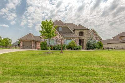 Owasso Single Family Home For Sale: 6345 N Locust Lane