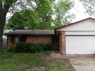 Broken Arrow Single Family Home For Sale: 4300 S Ash Place