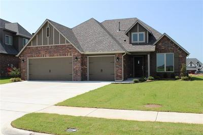 Jenks Single Family Home For Sale: 428 E 129th Place S
