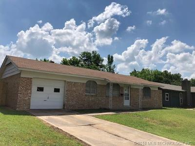 Broken Arrow Single Family Home For Sale: 331 S Hickory Place