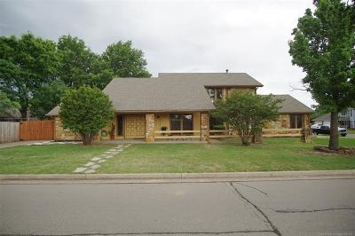 Tulsa Single Family Home For Sale: 6122 S 75th East Avenue