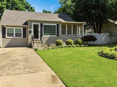 Tulsa Single Family Home For Sale: 211 E 33rd Place