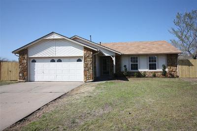 Owasso Single Family Home For Sale: 8004 N 118th East Avenue
