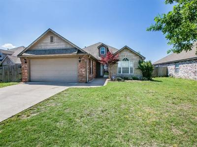 Collinsville Single Family Home For Sale: 10758 E 122nd Court North