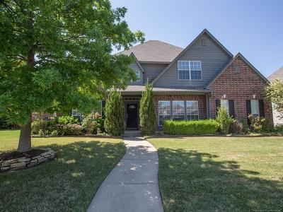 Broken Arrow Single Family Home For Sale: 3909 W South Park Boulevard