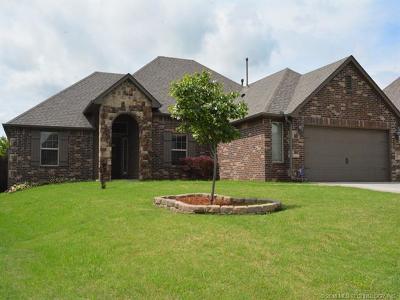 Broken Arrow Single Family Home For Sale: 7501 E Knoxville Street