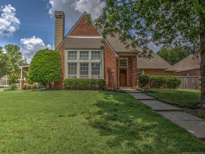 Tulsa Single Family Home For Sale: 4327 E 68th Place