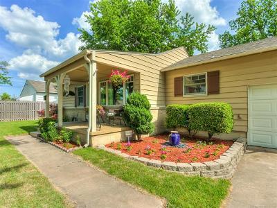 Tulsa Single Family Home For Sale: 1156 E 49th Street