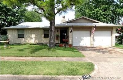 Tulsa Single Family Home For Sale: 2212 S 128th East Place