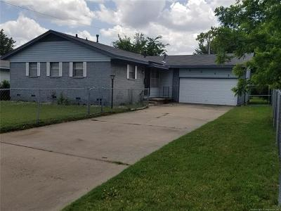 Tulsa Single Family Home For Sale: 2552 E 48th Street N