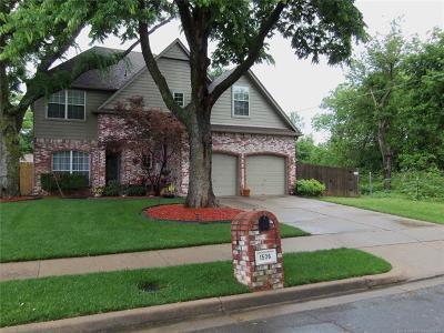 Jenks OK Single Family Home For Sale: $224,500