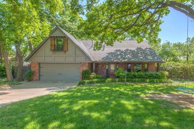 Tulsa Single Family Home For Sale: 8715 S 65th East Place