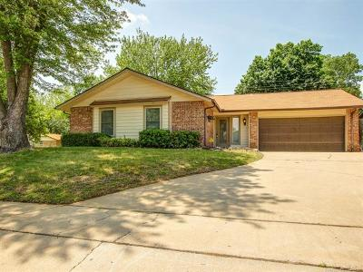 Broken Arrow Single Family Home For Sale: 4356 S 1st Place