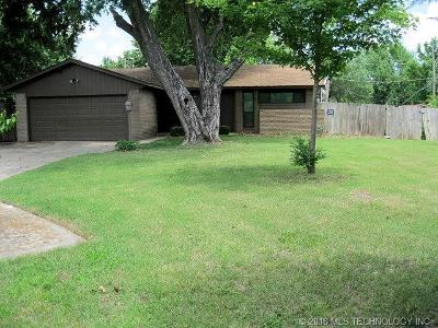 Tulsa Single Family Home For Sale: 16414 E 1st Court