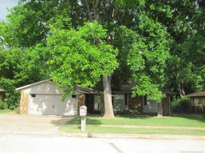 Broken Arrow Single Family Home For Sale: 4317 S Butternut Avenue