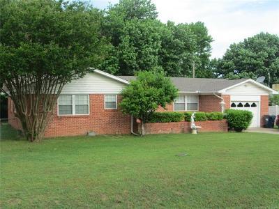Ada OK Single Family Home For Sale: $125,000