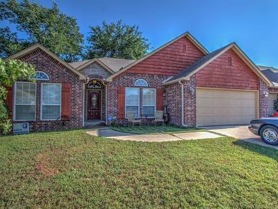 Glenpool Single Family Home For Sale: 1215 E 133rd Place