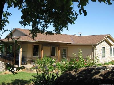 Stigler Single Family Home For Sale: 211 Deer Run Lane