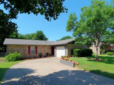 Glenpool Single Family Home For Sale: 1194 E 142nd Street